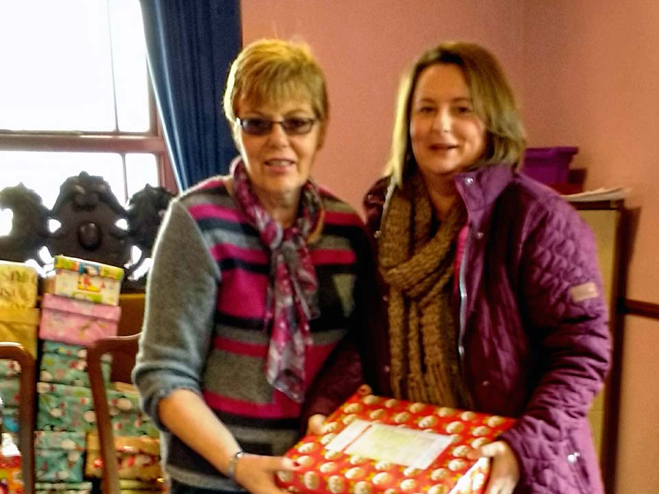 Jean McIlroy received 15 Shoeboxes from Rhonda Beck of Dromore Beavers