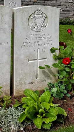 Photograph of war grave at Thiepval Memorial, the Ulster Tower